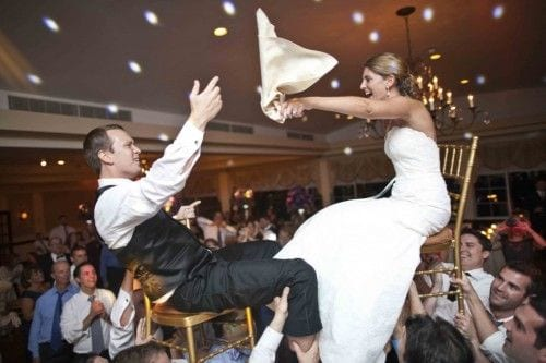 jewish-couple-doing-the-hora