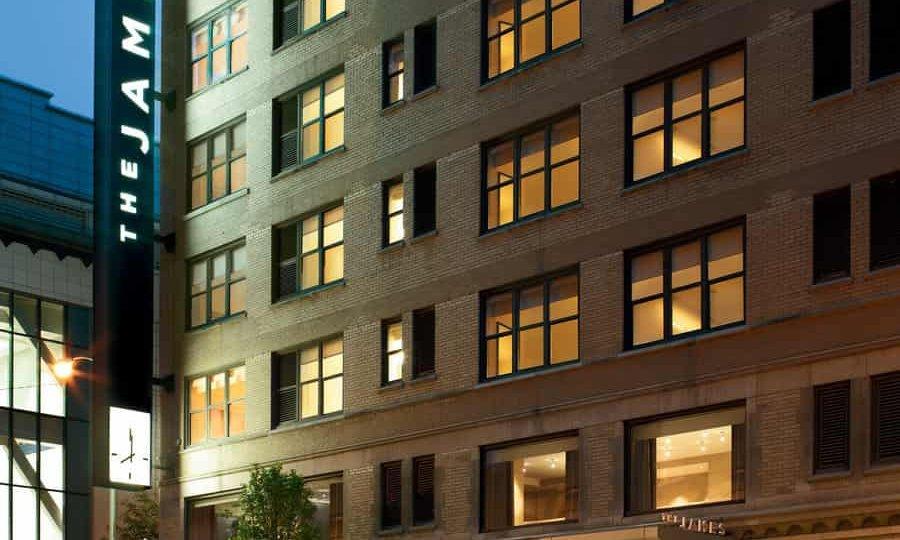 portrait_james-hotel-chicago_chicago-il_2006